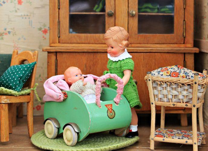 O drewnianych wózkach dla lalek