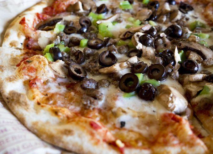 Pizza: ulubione danie Polaków