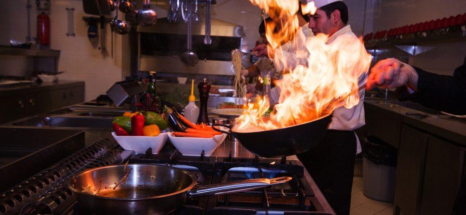 Kotły warzelne: sprzęt niezbędny w profesjonalnej kuchni