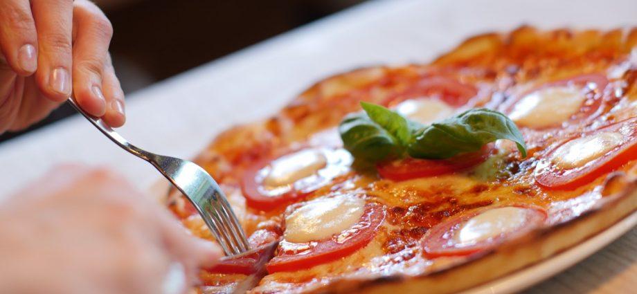 Pizza: jedno z dań kuchni włoskiej
