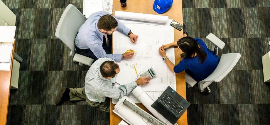 Jak zaprojektować biuro?